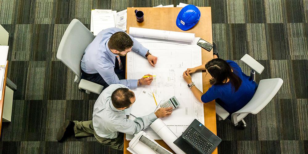 F2_1000X500_adult-architect-blueprint-business-416405 (1)1000×500